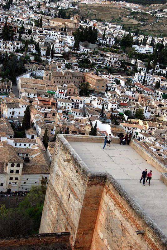 イスラム教徒の残した城塞 アルハンブラ宮殿 アルカサバ – Alcazaba
