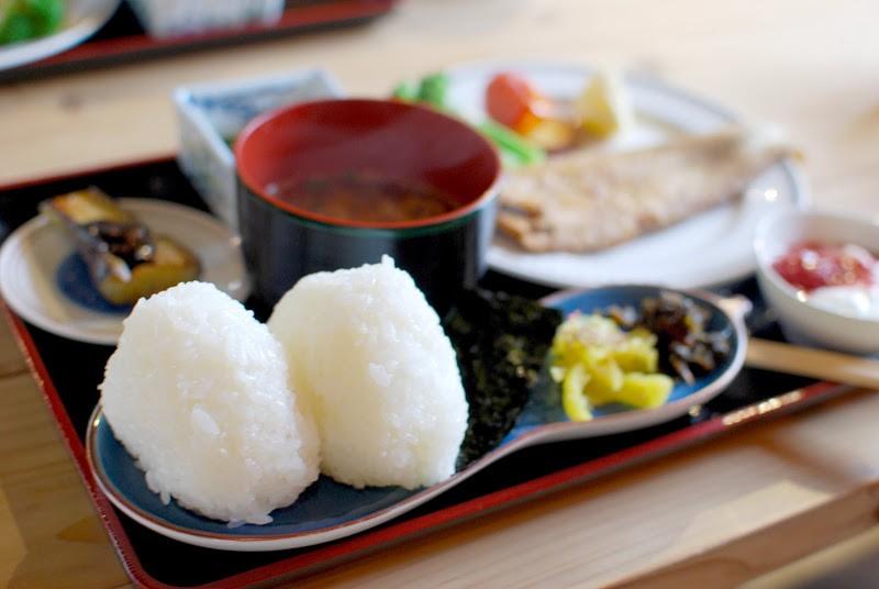 名水でつくられた棚田のお米がうまい。日本棚田百選のひとつ小豆島中山地区千枚田
