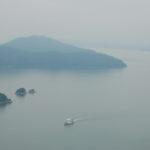 霧中の島々には神が宿っているよう – Foggy islands of Seto Inland Sea are beautiful