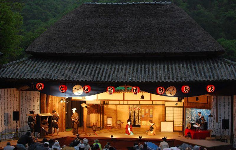歌舞伎の島、小豆島に江戸時代から続く農村歌舞伎 The village kabuki performance in Shodoshima.