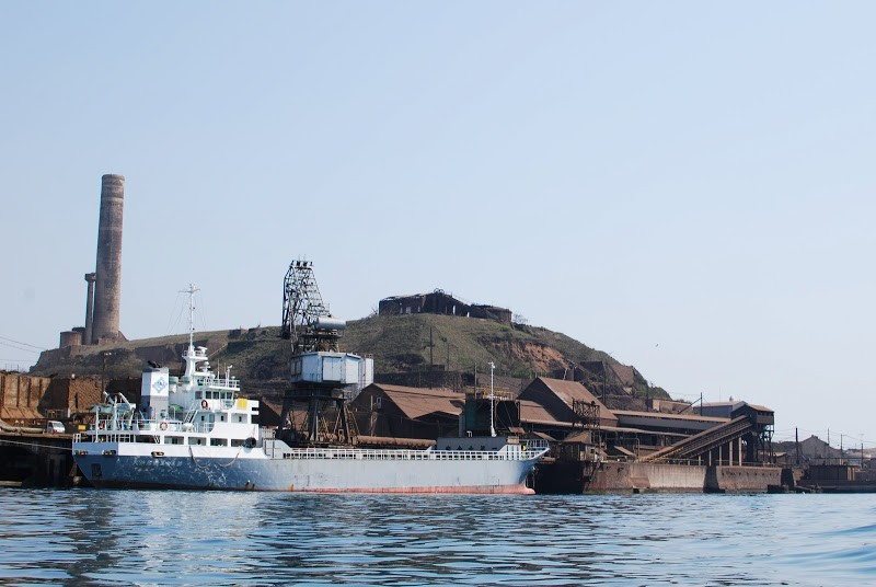 瀬戸内海の産業遺産、四阪島(しさかじま) The Shisaka island, industrial heritage in Seto Inland Sea.
