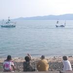 """佐柳島・佐柳八幡神社の秋祭り「船渡御(ふなとぎょ)」 Sanagi island festival"""" carrying of miniature shrine on the ship"""