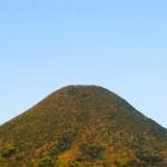 """「讃岐富士」の異名を持つ香川のランドマーク「飯野山(いいのやま)」 Sanuki Fuji """"Mt. Iino"""""""