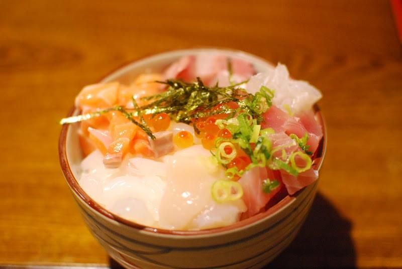 """海鮮丼がなんと380円!大三島(おおみしま)の食事処「大漁」  The eating facility """"Tairyo"""" at Ōmishima island"""