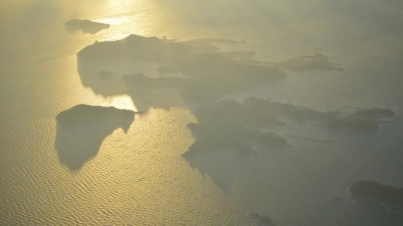 瀬戸内海・家島諸島上空を飛行中