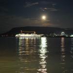 屋島に続く月の川 – The moon river to Yashima