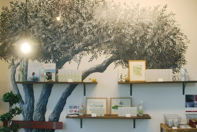 小豆島で買えるオリーブオイルのお店「i's Life (イズライフ)」