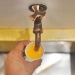 """みかんジュースの蛇口、今治タオルを選べる宿「道後やや」 – """"Dōgo Yaya"""",  selectable Imabari towel and  orange juce from faucet"""