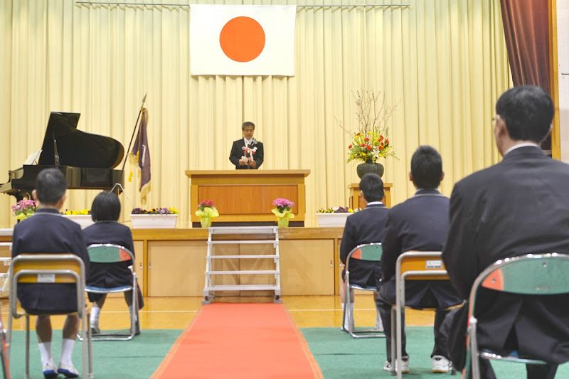 男木島で8年ぶりの小学校卒業式 The graduation ceremony of Elementary School  at Ogi island