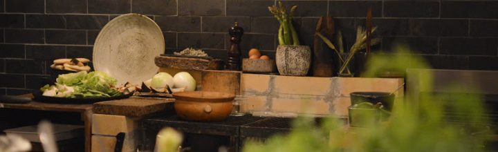 京都・哲学の道、薪窯のレストラン「monk」