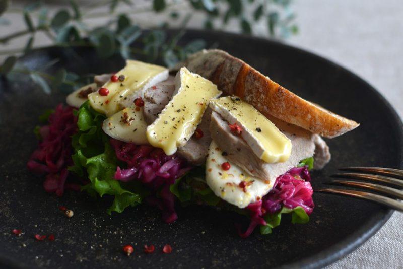 キッチンスタジオ「たべものさし」ナチュラルチーズとマコモタケ