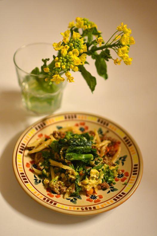 村で頂いた菜の花でパスタをつくる。