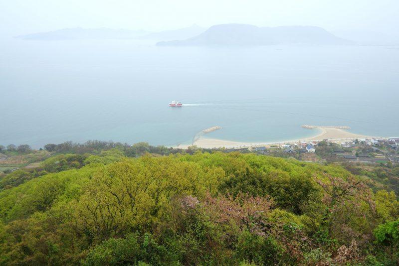 瀬戸内海の鬼ヶ島、女木島の桜 – Cherry blossoms of Megi island