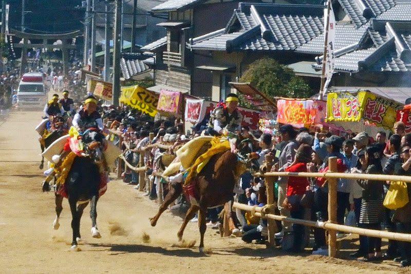 お供馬の走り込み「菊間祭り」 – Kikuma Otomouma festival