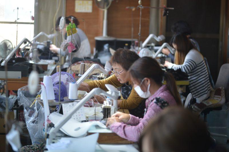 シェア9割!日本で唯一・最大の手袋の産地、香川県東かがわ市 – Higashi-kagawa city, No.1 glove-producing region