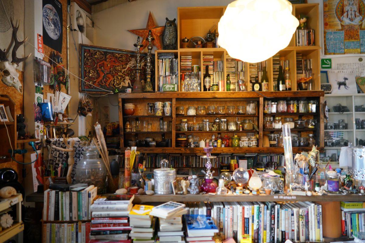 ブックカフェソロー – Book cafe Solow