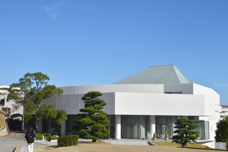 建築家・村野藤吾、神戸 甲南女子大学  – Konan Women's University by Architect Tōgo Murano