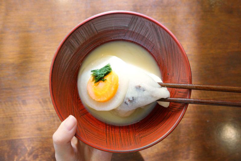 """香川の雑煮は、白味噌にあん餅が入った「あん餅雑煮」 """"Anmochi zoni"""", local food of Kagawa pref."""