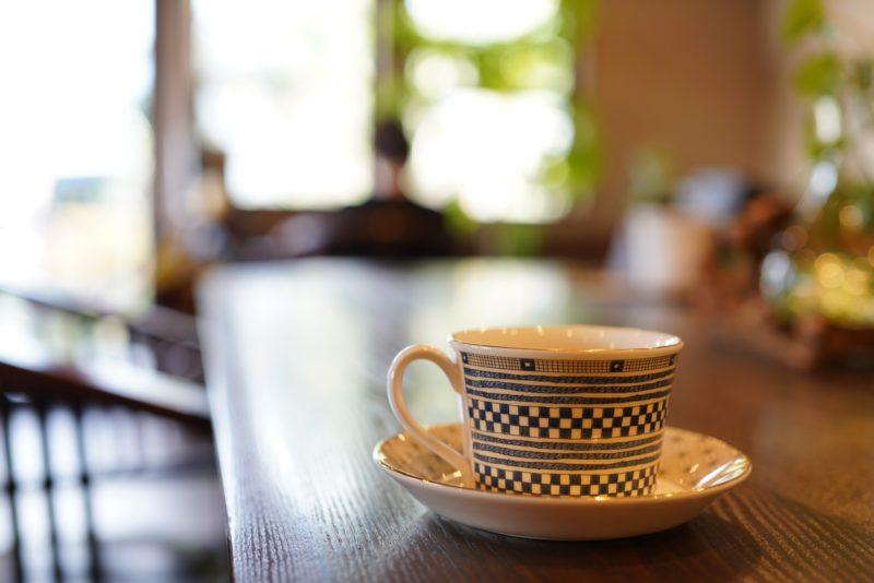 池のほとりに建つ自家焙煎の珈琲屋『はりゅう珈琲』 – Haryu Coffee