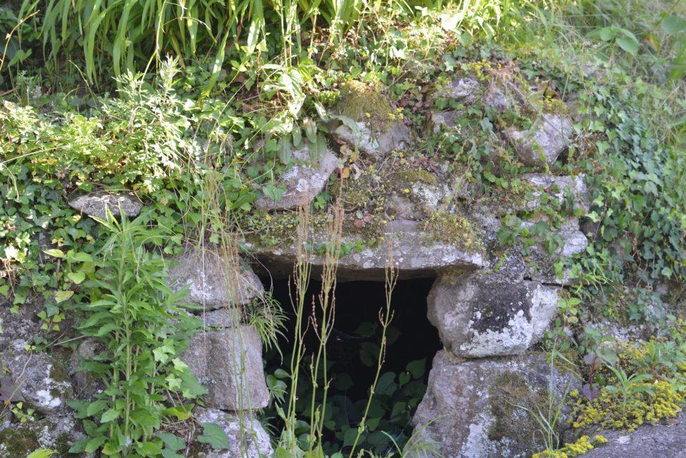 【小豆島】肥土山(ひとやま)の石風呂 - [Shodoshima island] Stone Bath of Hitoyama